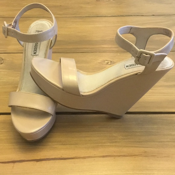 327d94974b1 Steve Madden Shoes - Steve Madden nude wedge prestine heels 7